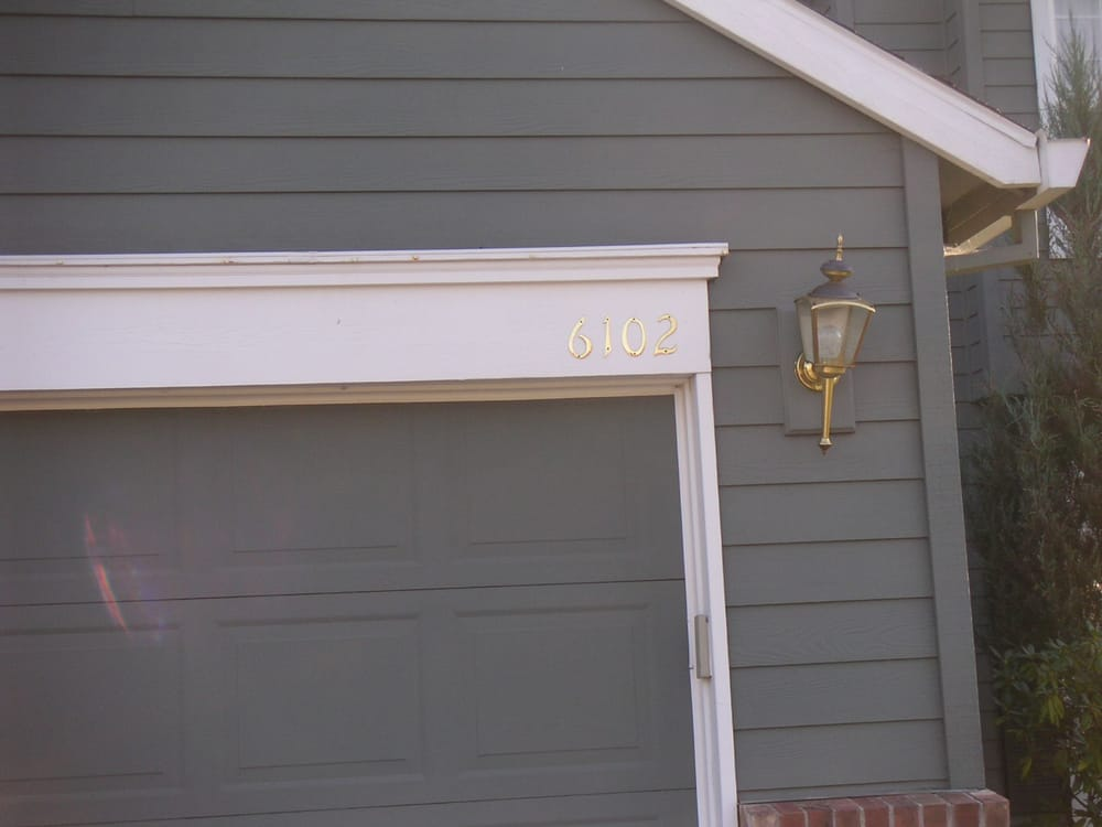 We can add trim around garage door to make it attractive and not just another standard garage