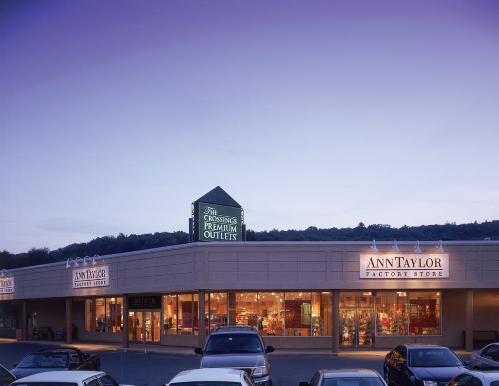 The Crossings Premium Outlets - 192 Photos & 136 Reviews - Shopping Centers - 1000 Premium Outlets Dr. Tannersville. PA - Phone Number - Yelp