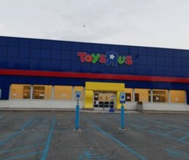 Toys R Us Closed 11 Reviews Toy Stores 250 East Rt 4 Paramus Nj Phone Number Yelp