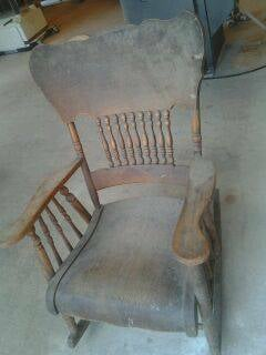 This rocking chair came to my place in bad conditions,1 ...