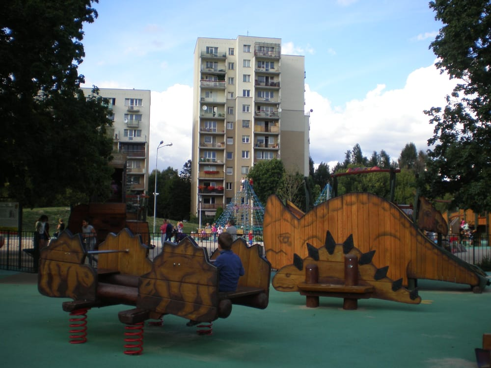 Restaurants Playgrounds Near Me