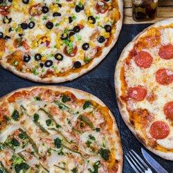 foodie pizza pizza av