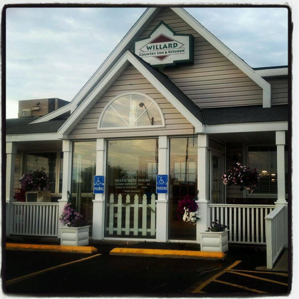 Willard Country Kitchen  American Restaurants  429 E