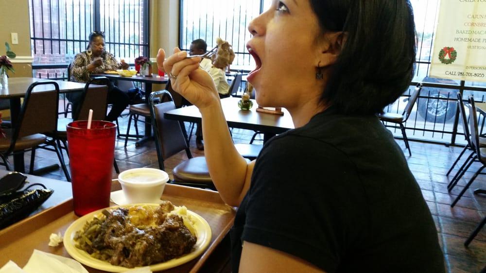 Soul Food Restaurants Near 77077