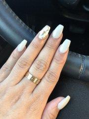 marble design ring finger