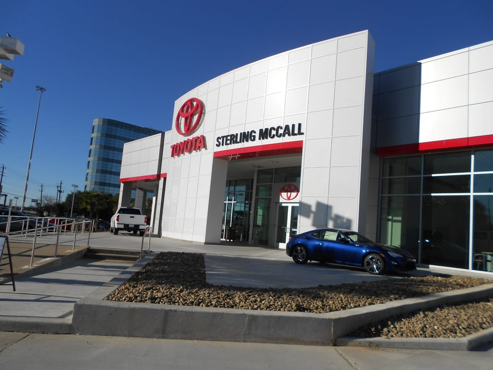 There are few businesses as unique as running a car dealership, whether you sell used cars or buy a new car franchise. Sterling Mccall Toyota Houston Dealership Service Center