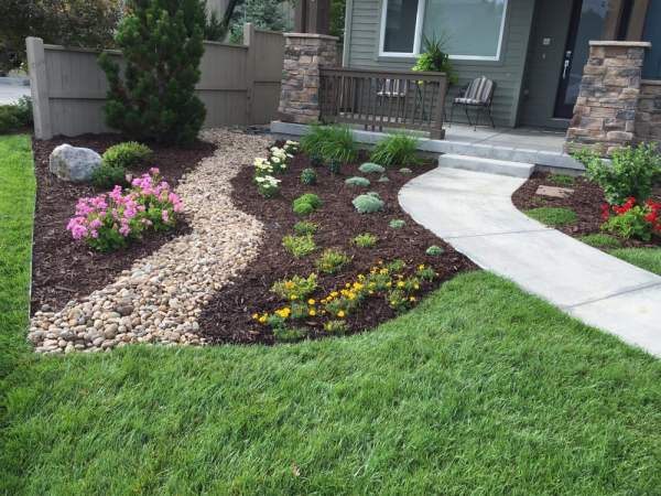 "1.5"" river rock cherry brown mulch"