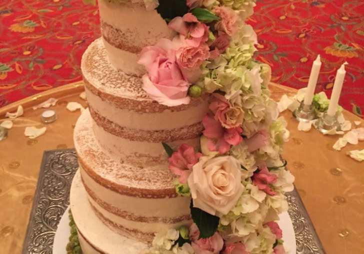 Wedding Cakes With Fresh Flowers