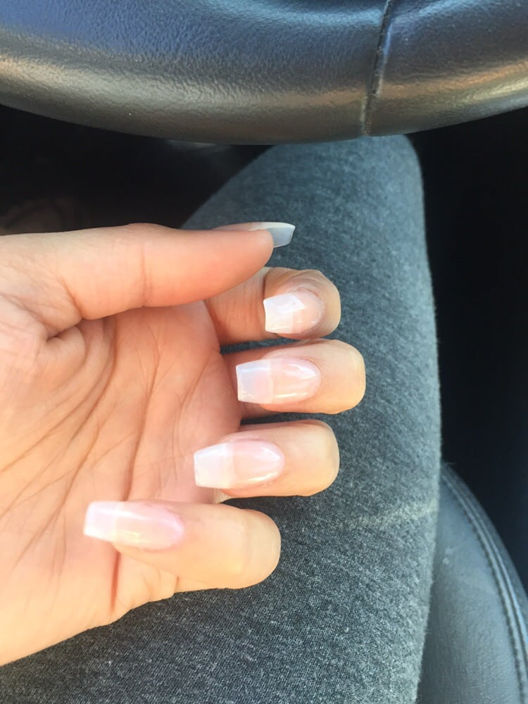 perfect naturallooking coffinsquoval nails with a clear