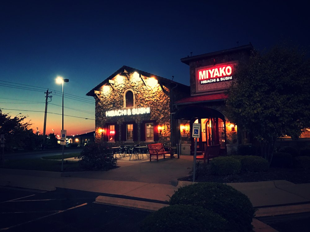 Restaurants Near Me 45069
