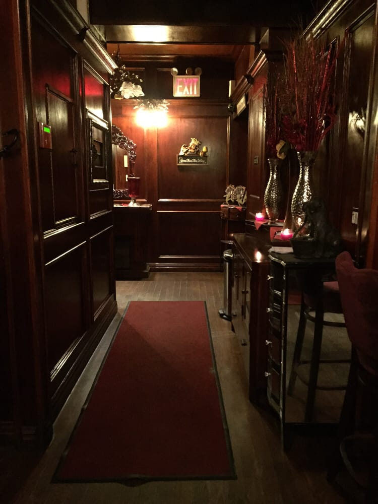 the living room steakhouse lounge brooklyn ny beachy decorating ideas 86th street interior closed 38 photos 69 reviews italian 2402 st bath beach