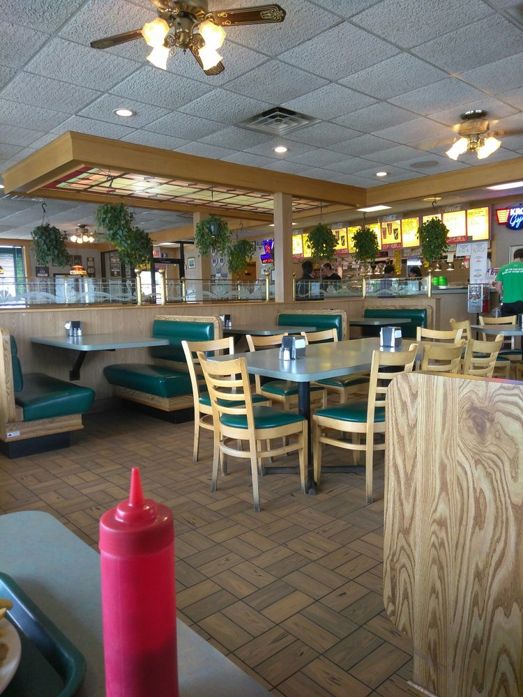 Papa Chris' Place - 22 Photos & 84 Reviews - Fast Food - 6235 W Touhy Ave. Forest Glen. Chicago. IL - Restaurant Reviews - Phone Number - Menu ...