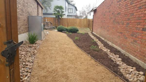 decomposed granite pathway