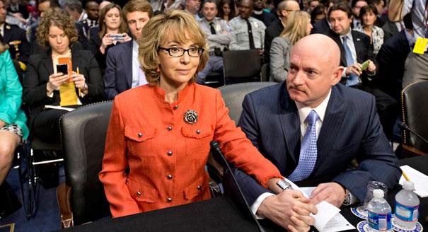 https://i0.wp.com/s3-origin-images.politico.com/2013/01/30/130130_giffords_ap_605.jpg