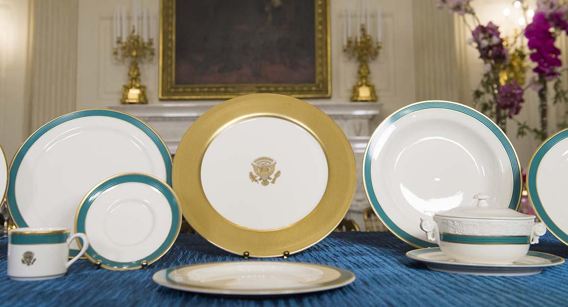 Barack Obama honors Japans Shinzo Abe with White House