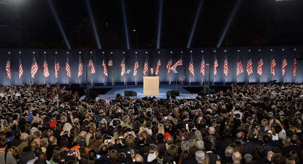Obama eyes Chicago campaign HQ  POLITICO
