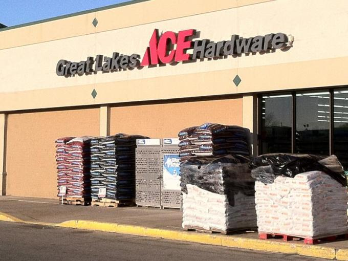 Aco Hardware To Close 3 Stores Moves Forward With Rebranding To Great Lakes Ace Crain S Detroit Business