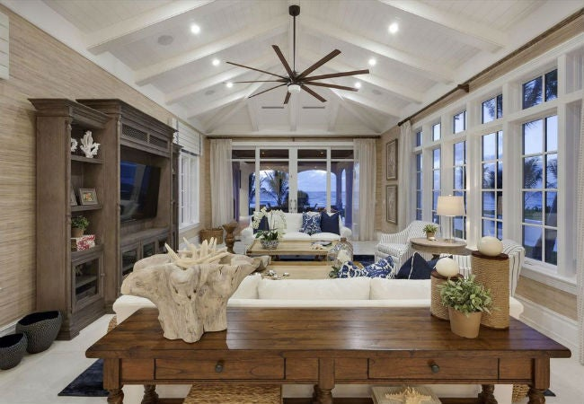 Vaulted Ceilings 101: The Pros, Cons, and Details on