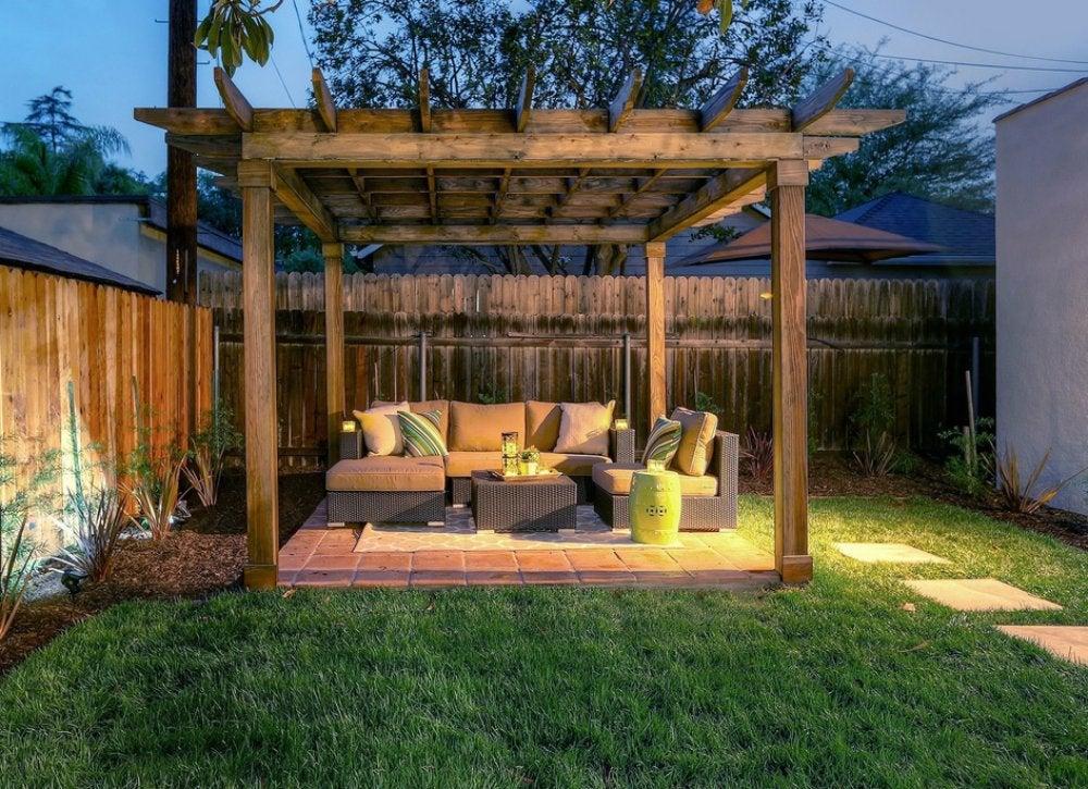 backyard privacy ideas - 11 ways