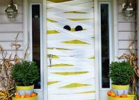Halloween Door Decorations - Homemade Halloween ...