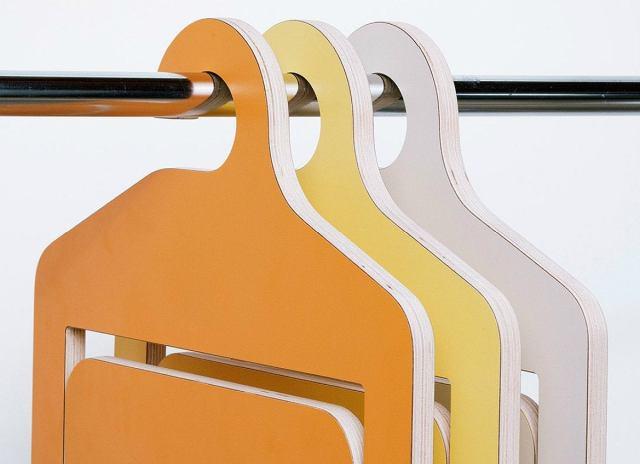 Umbra-shift-folding-hanger-chair