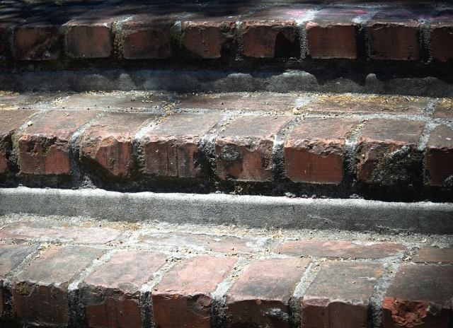 Fixing-brick-stairs