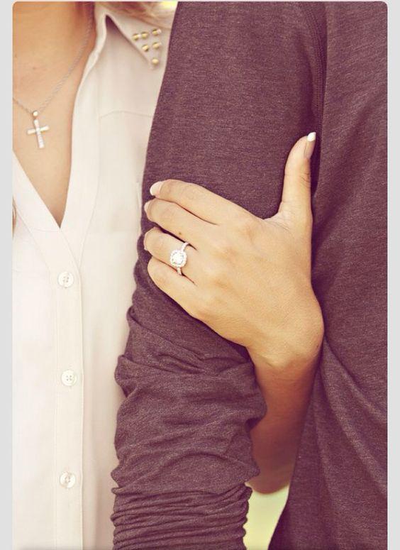 Ideias de selfies para mostrar o anel de noivado  Casarcom