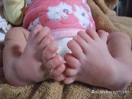 baby8toes2