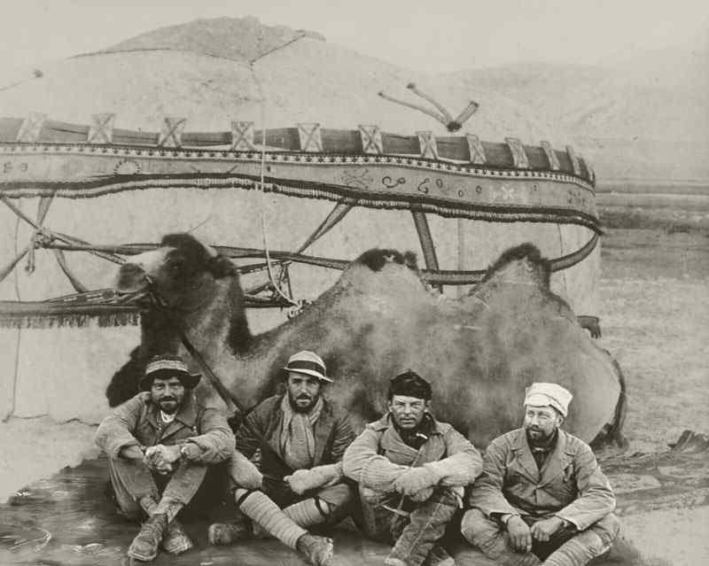 Da esquerda para a direita, Leonard, Petrus (usando meu chapéu), Ivan Ulvaeus e Ruppert Ellis