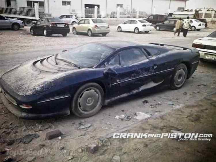 abandoned-jaguar-xj-_800x0w