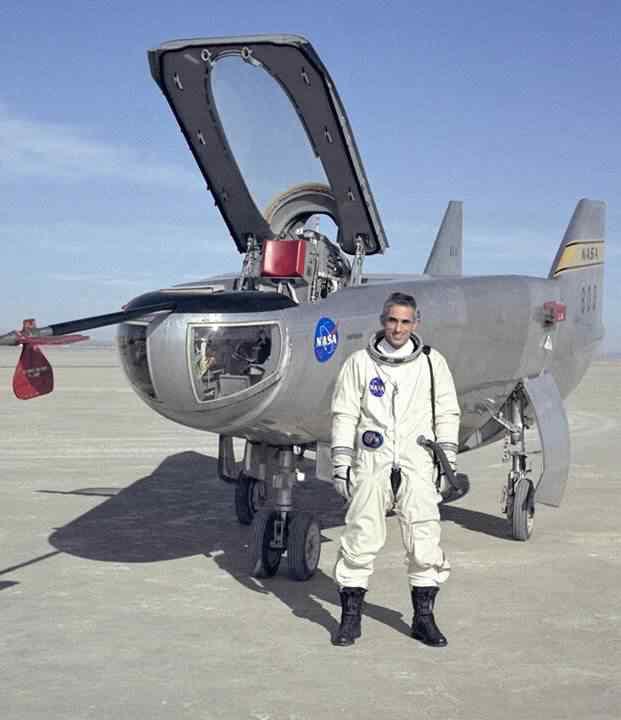 O avião sem asa e seu piloto