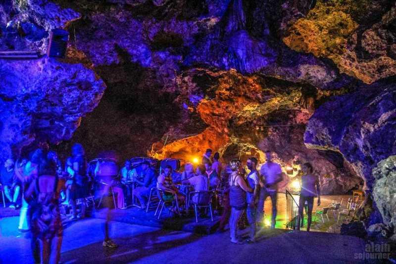 Disco-Ayala-Cave-Trinidad-Cuba-10