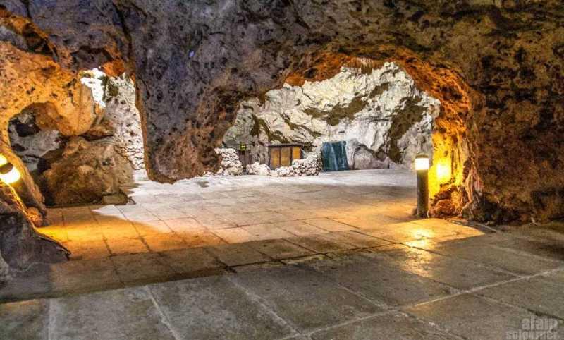 Disco-Ayala-Cave-Trinidad-Cuba-17