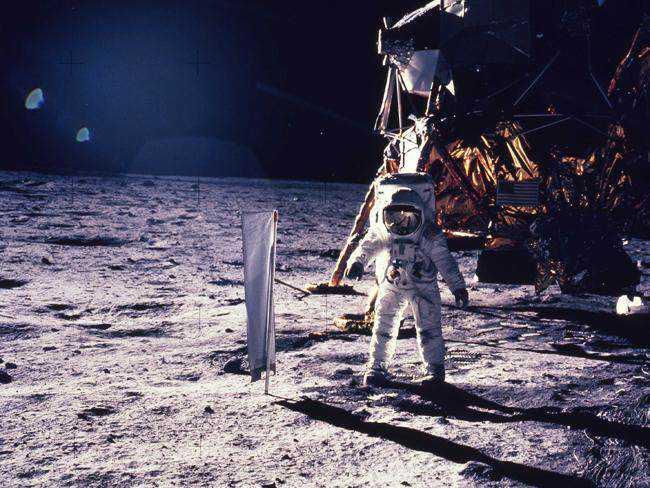 MItchell, o sexto humano a andar na Lua
