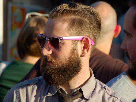 we-can-blame-hipsters-for-the-decline-in-mens-razor-sales