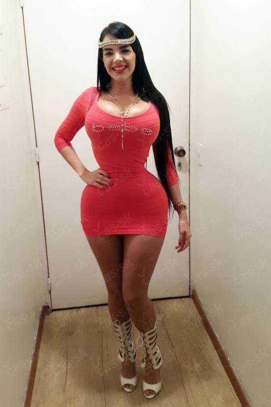 Aleira-Avendano-waist-550x826