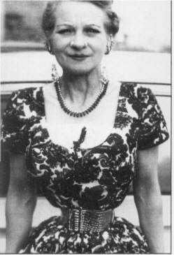 EthelGrangerInDress