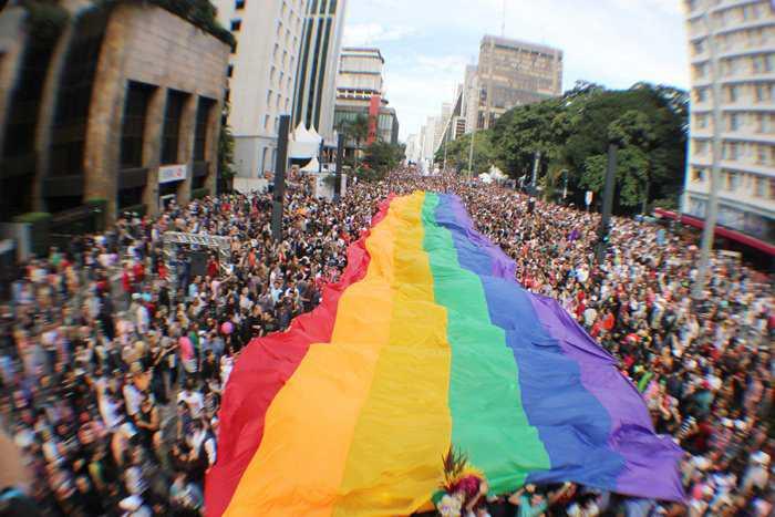 parada-gay-grande-interna-ae-20120612