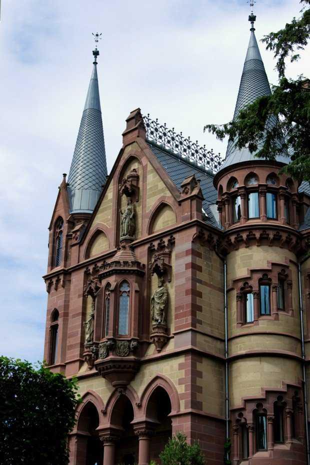 Castle-Schloss-Drachenburg-GErmany-5-620x930
