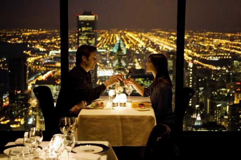 12-restaurants-where-you-will-not-think-about-food-artnaz-com-12