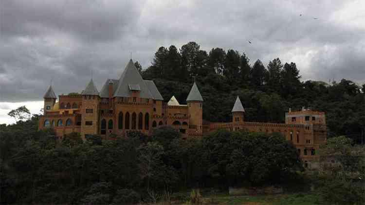 Castelo no bairro Interlagos. Foto: Antonio Basilio