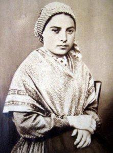 Nossa Senhora de Lourdes - Revista Arautos do Evangelho - Revista Católica