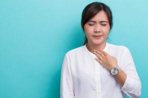 Como aliviar dor de garganta com receitas caseiras com Dr. Jamal Azzam