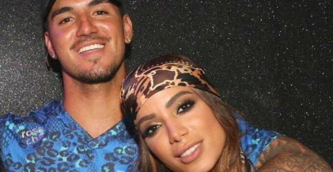 """Após ter ficado com Anitta, Neymar """"empurra"""" cantora para Medina e torce: """"shippo"""""""