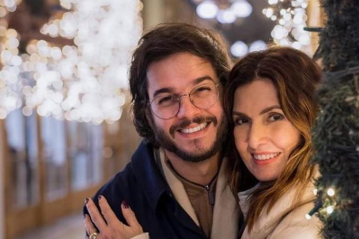 Tentando afastar boatos de crise, Fátima Bernardes aparece no trabalho do namorado e surpreende com atitude
