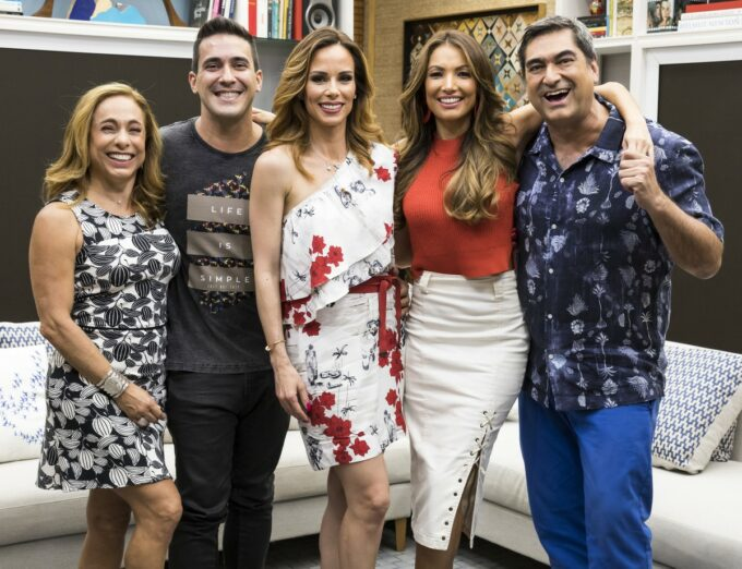 "Após saída de apresentadores, Globo inova e escala ator para o comando do ""É De Casa"""