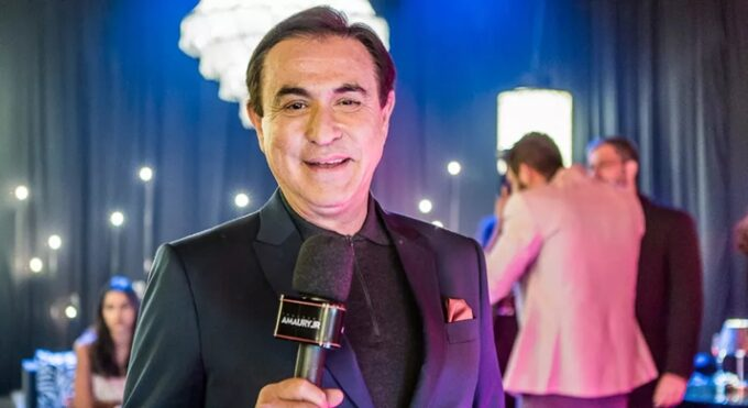 Amaury Jr. retorna a RedeTV! e gravações de novo programa já estão em andamento