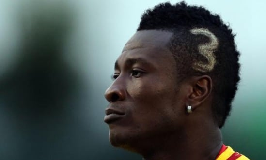 Asamoah Gyan e seu cabelo, por assim dizer, polêmico