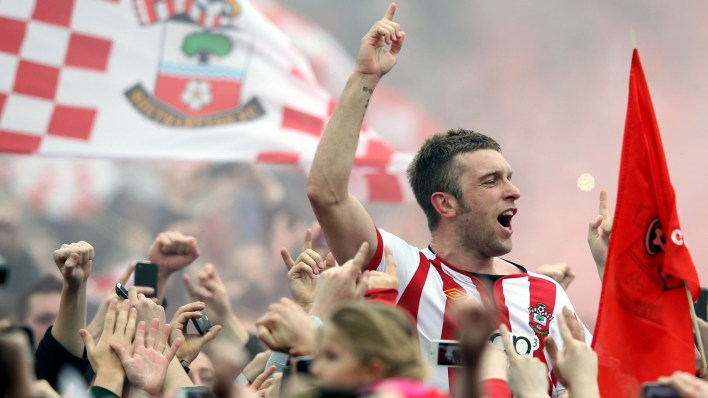 Rickie Lambert comemora o acesso do Southampton à Premier League, em abril de 2012 (Photo by Michael Steele/Getty Images)