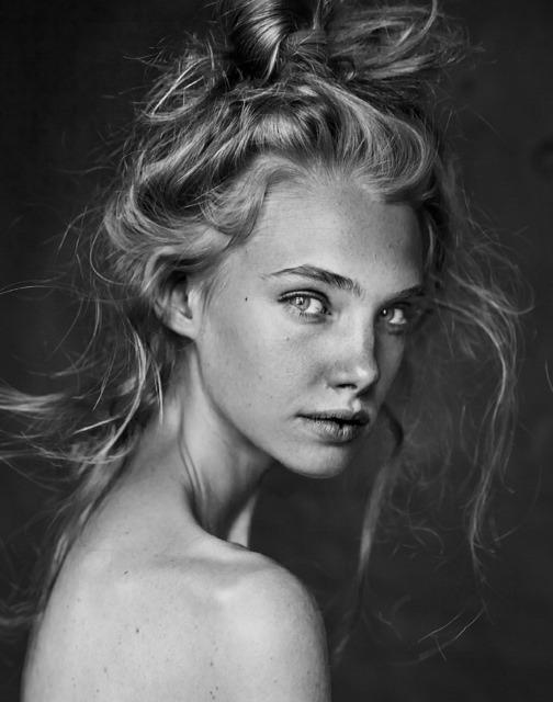 7 of the Best Poses for Female Models  FilterGrade